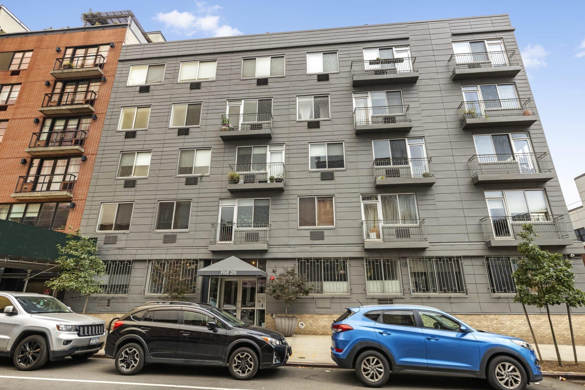 529 Court Square, Unit 402 photo