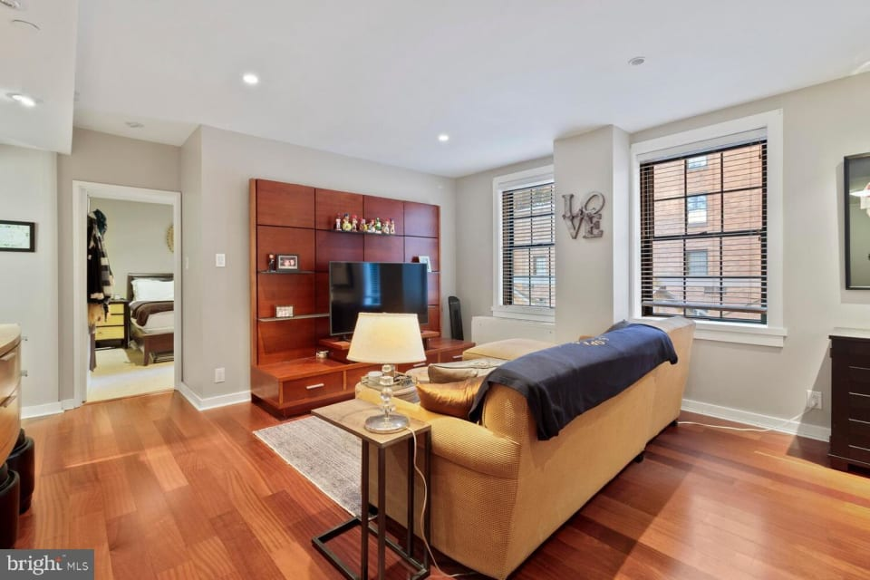 219-29 S 18th St, #923 preview