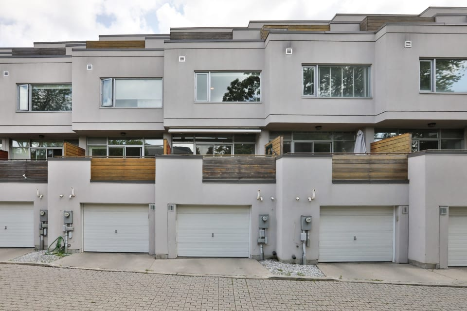 SOLD: Rarely Offered Bayview Village Town