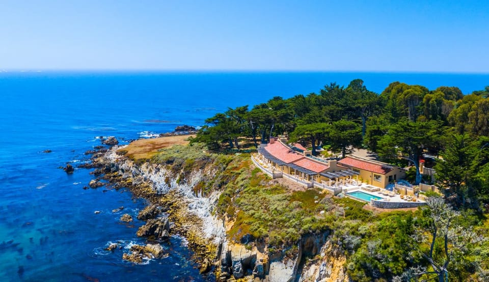 This $33M Coastline Home is the Star of Its Own Music Video