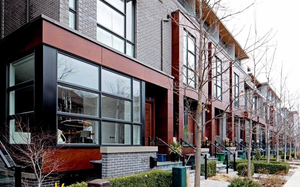 250 Manning Ave photo