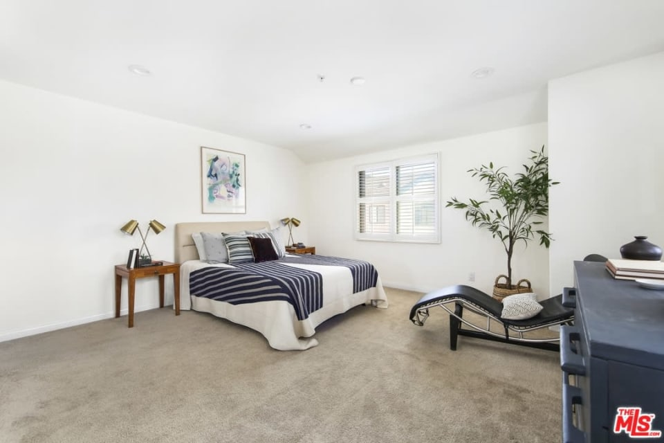 6901 Hannum Ave preview