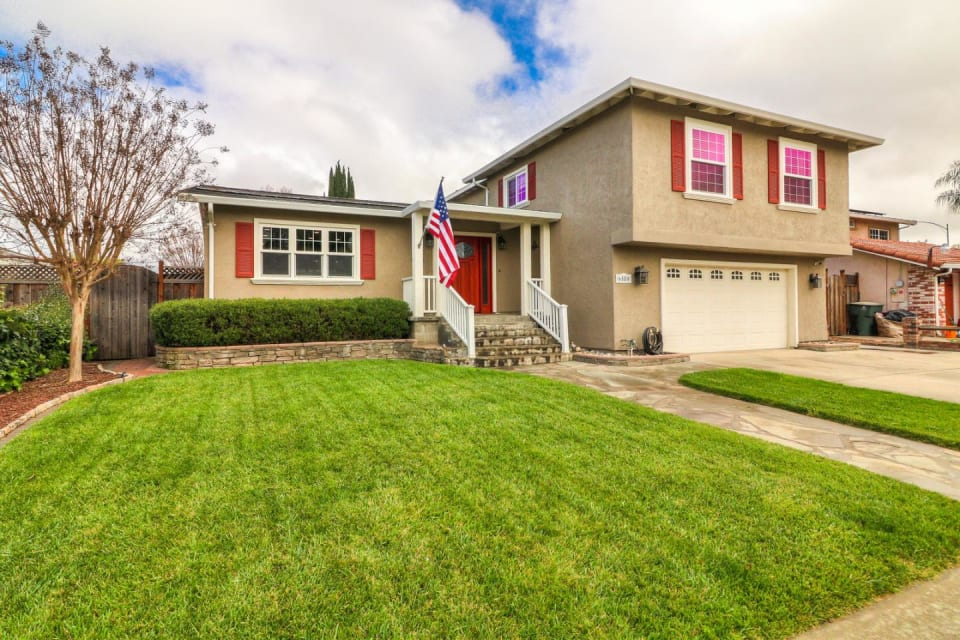6580 Thames Dr preview