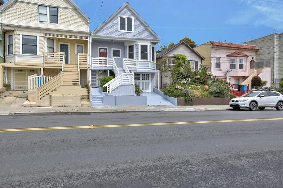 161 Crescent Ave photo