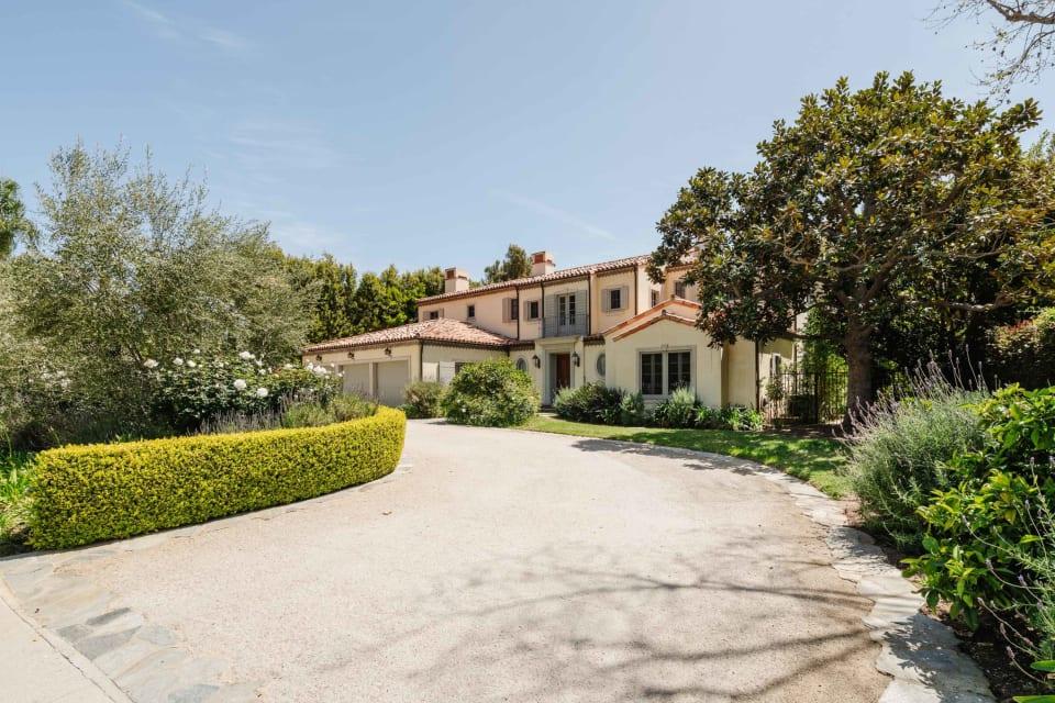 In Escrow | 1252 Corsica Drive preview