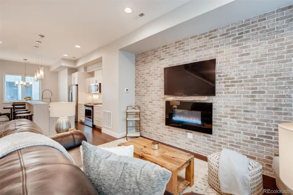 2828 W 32nd Ave preview
