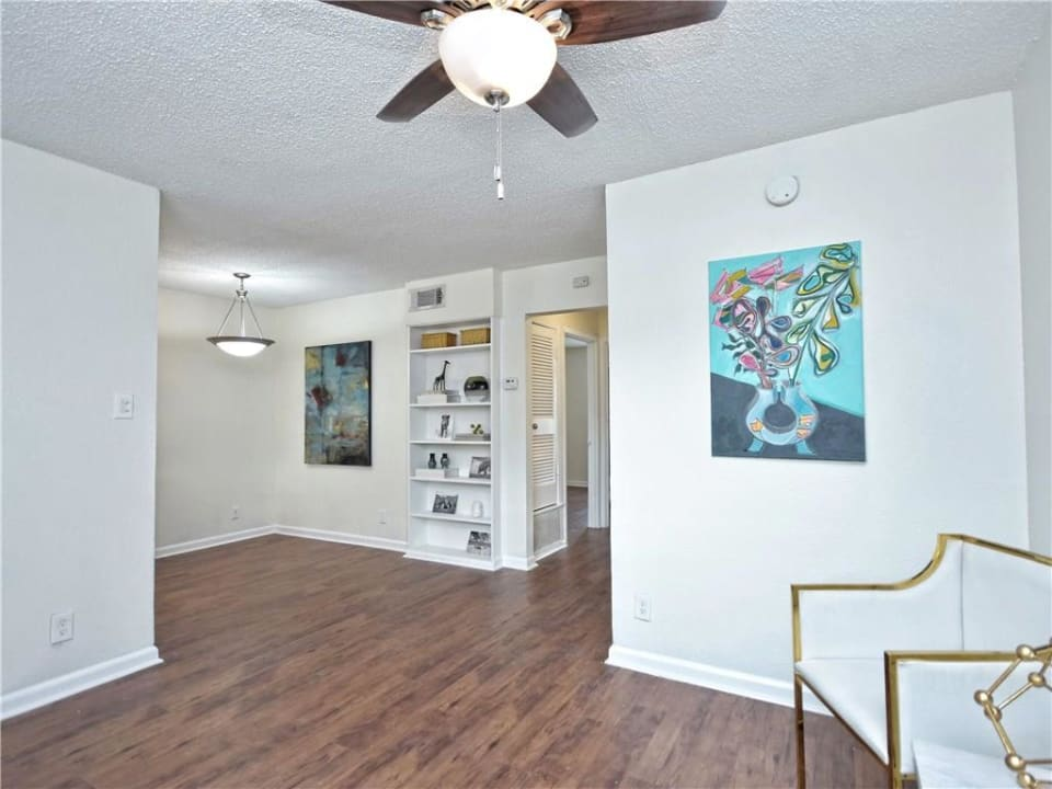 2401 Manor Rd. #122 preview