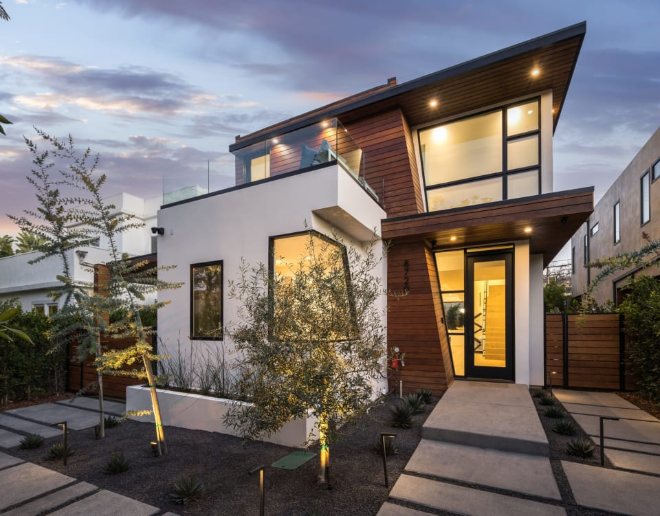 8720 Rosewood Ave preview
