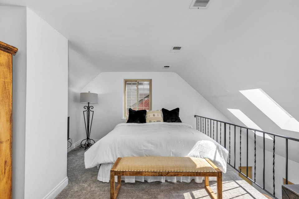 710 Bellaire Street preview