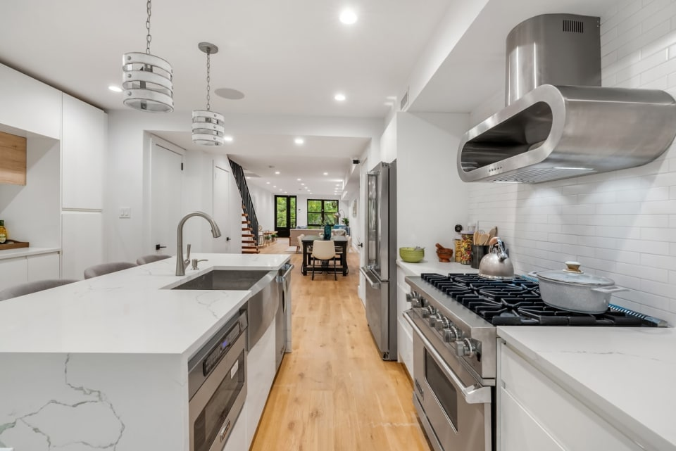 541A Quincy Street preview