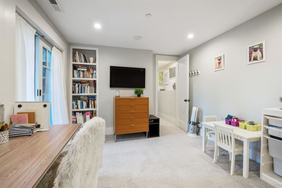 51 Hillcrest Ave preview