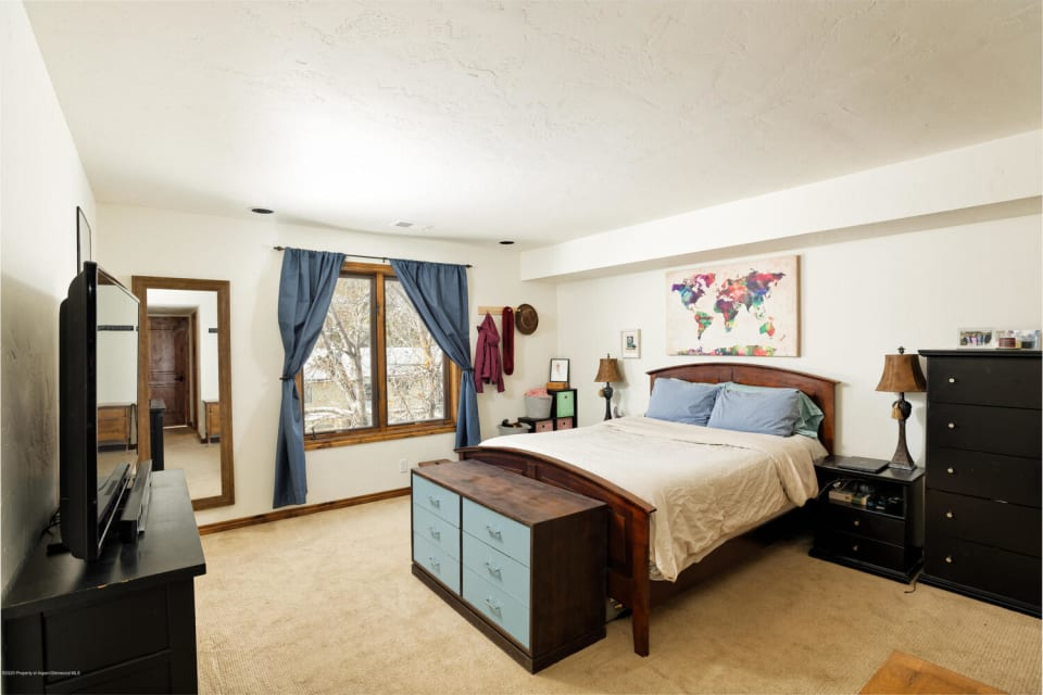 1472 W Main Street preview