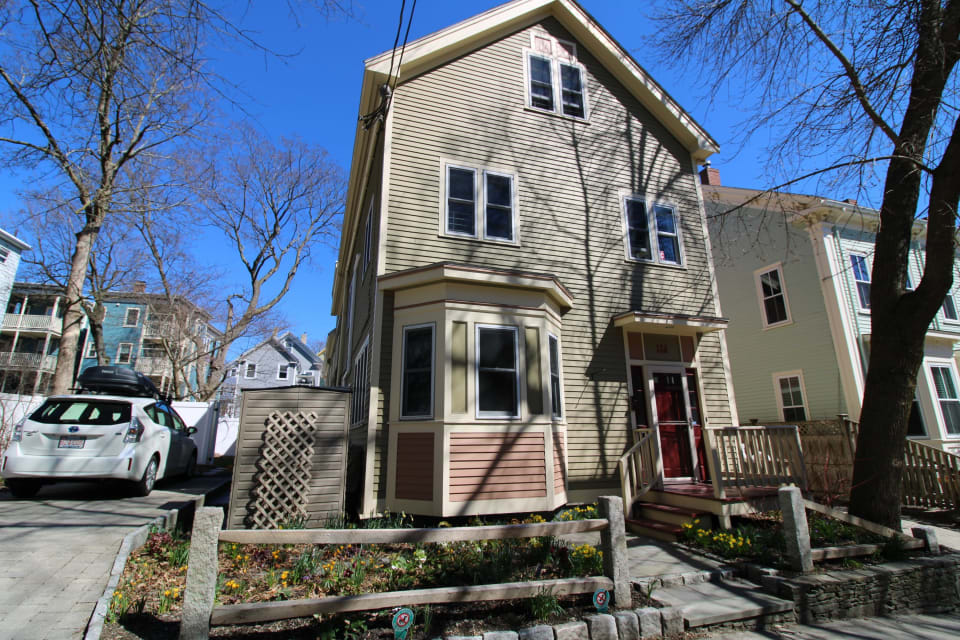 Coming Soon Central JP 3 Bedroom Townhouse with Parking preview