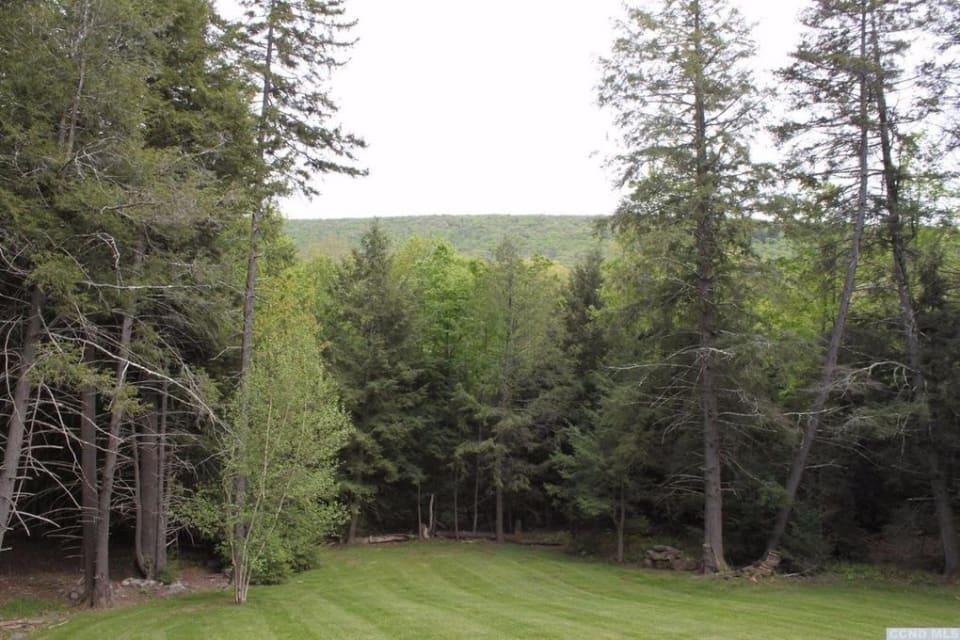 84 Mount Greenery Rd