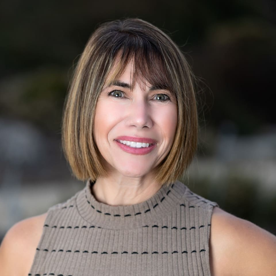 Julie Kavanaugh