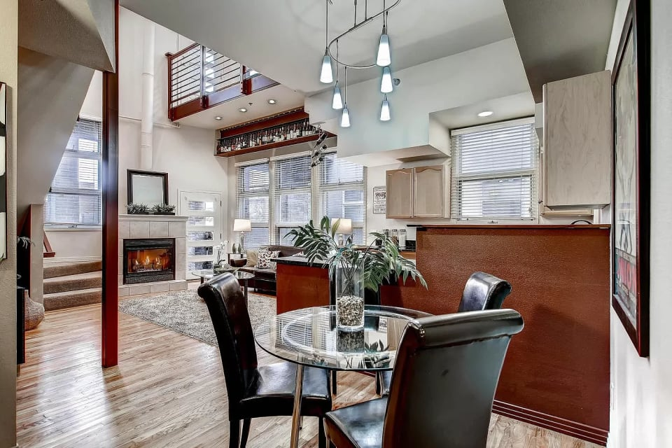 225  LINCOLN Street  2 preview