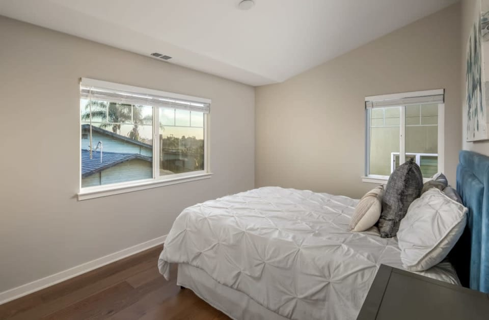 1440 MacKinnon Ave preview