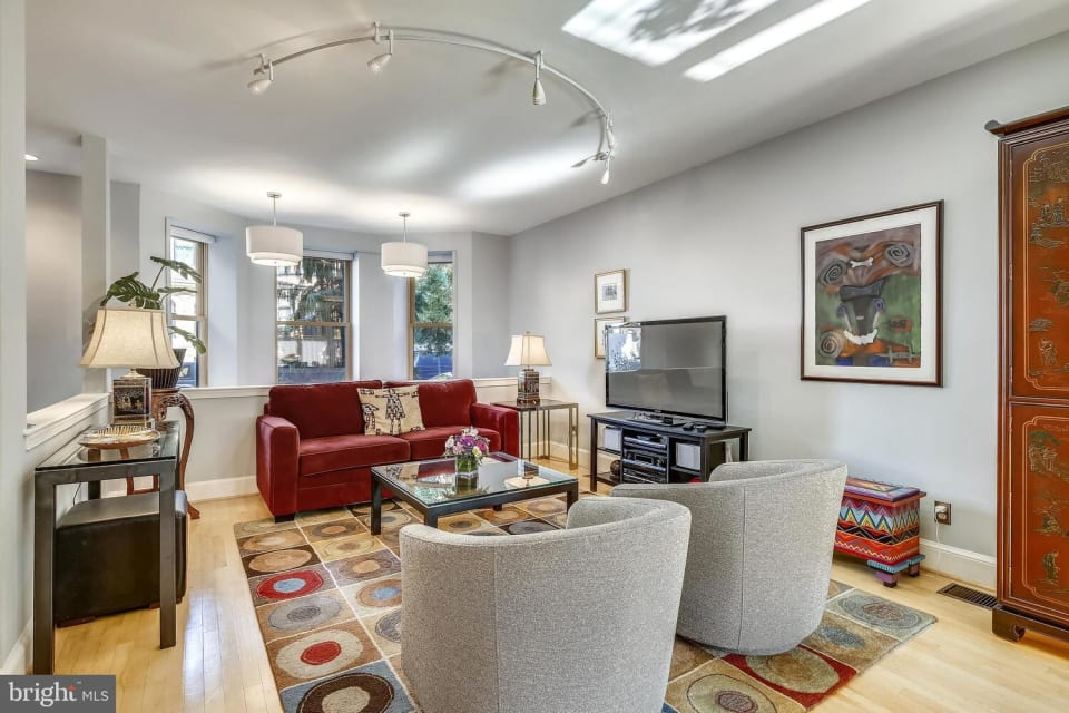 1733 20th St NW, #102 preview
