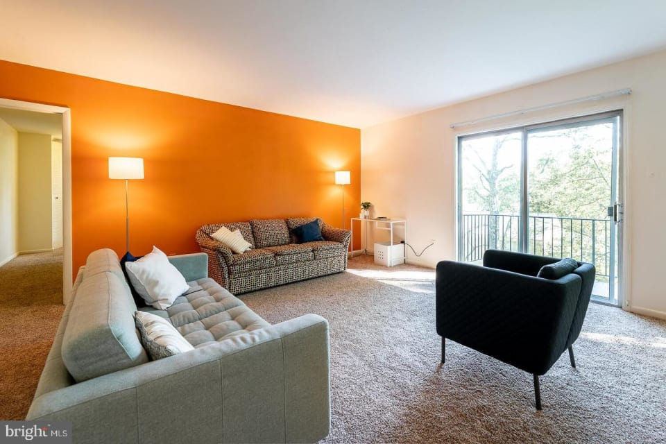 10636 Montrose Ave, #202 preview