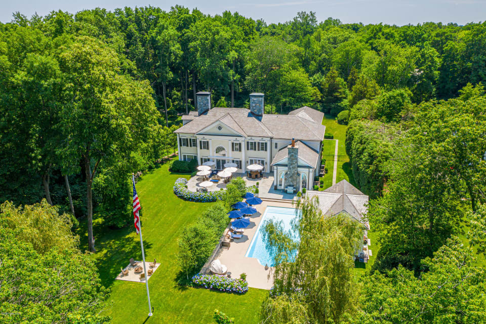 THE GREAT LURE OF GREENWICH, CT