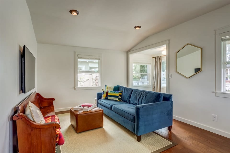 4495 Cherokee Ave preview