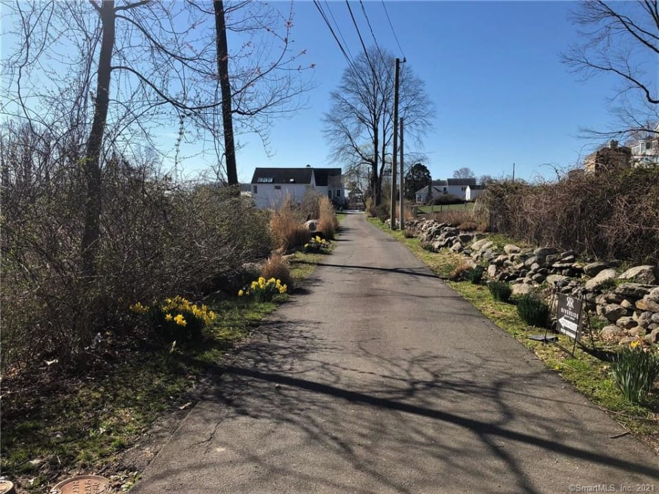 17 Meadow Lane