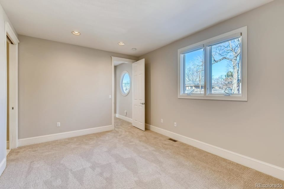 3550 E 2nd Ave preview