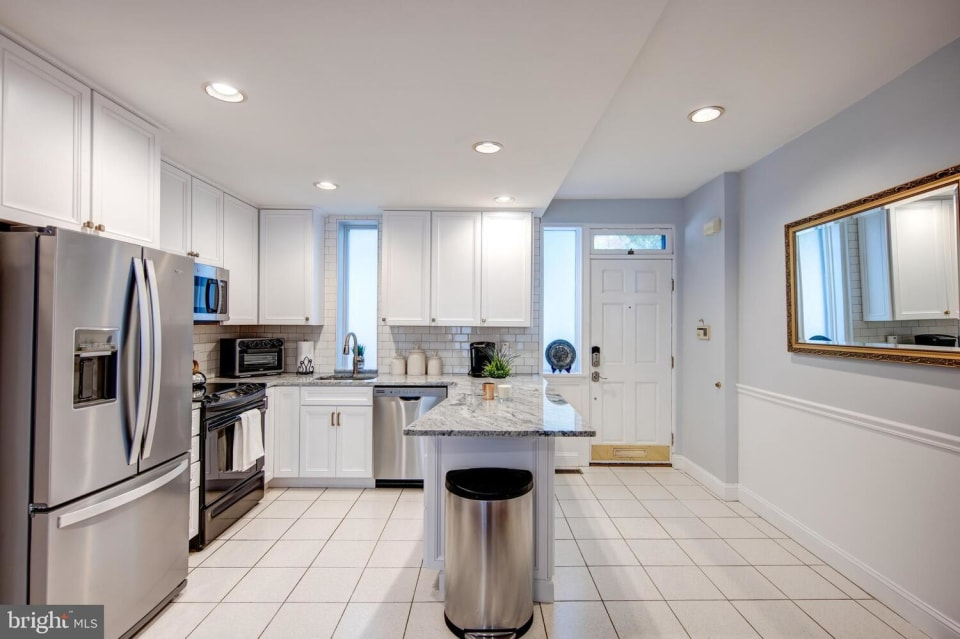 2526 Lombard St preview