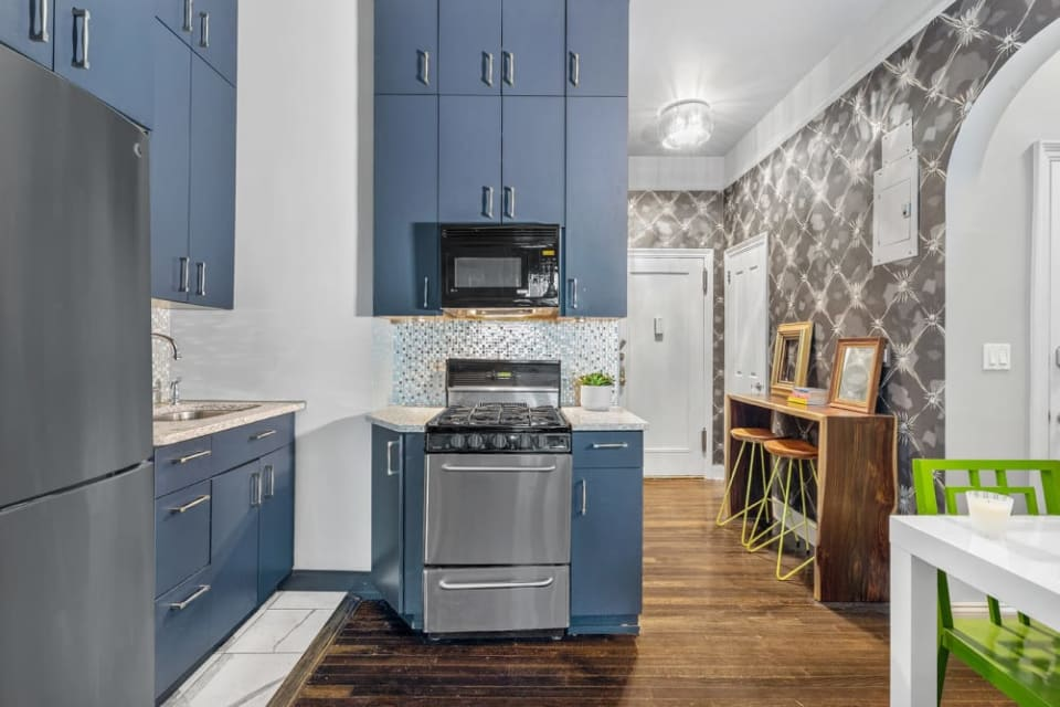 33 E 22nd St, #4B preview