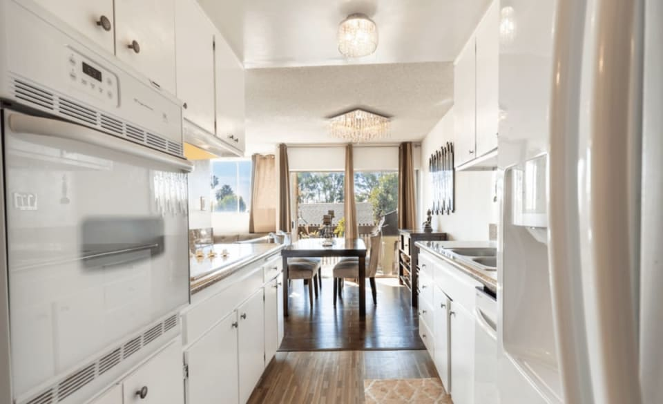 6050 Canterbury Dr preview