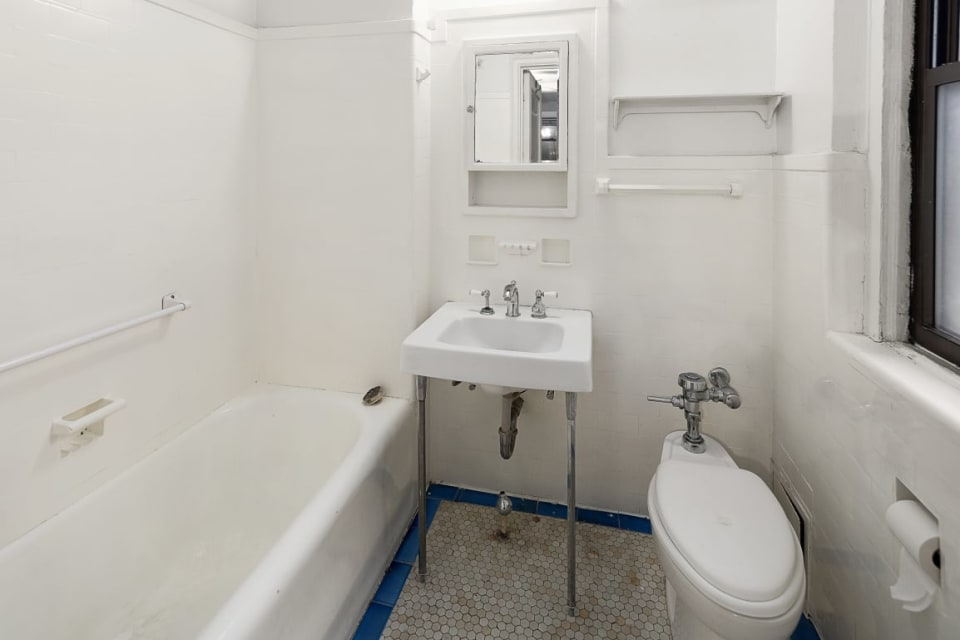 457 W 57th St, #309 preview