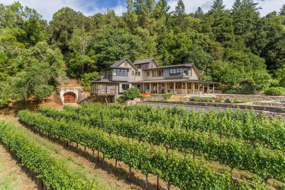 Iconic Vineyard Estate' Embodies Indoor and Outdoor Napa Valley Living