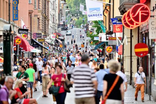 I Sverige lever ungefär en en halv miljon människor med astma och omkring 900 000 med KOL. Tanken med Luftvägsregistret är att hälso- och sjukvården lättare ska kunna överblicka och förbättra vården för patienter som har astma eller KOL.