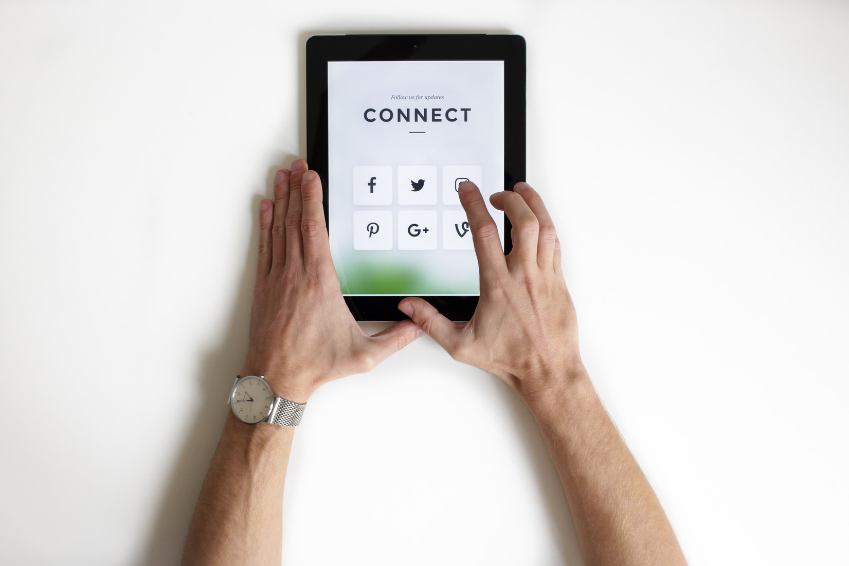 integrate social media into your sales funnel with a click