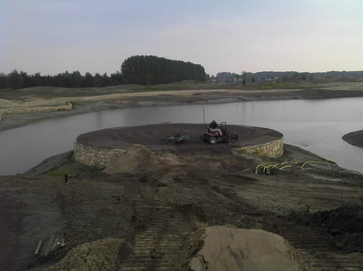 Contour Golf Finishing Green Construction