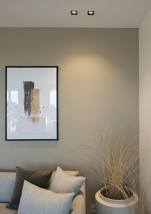 SCL Design Squary downlight i stue over sofa
