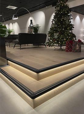 Trapp på Hotell Norge med Step profil og LED-stripe