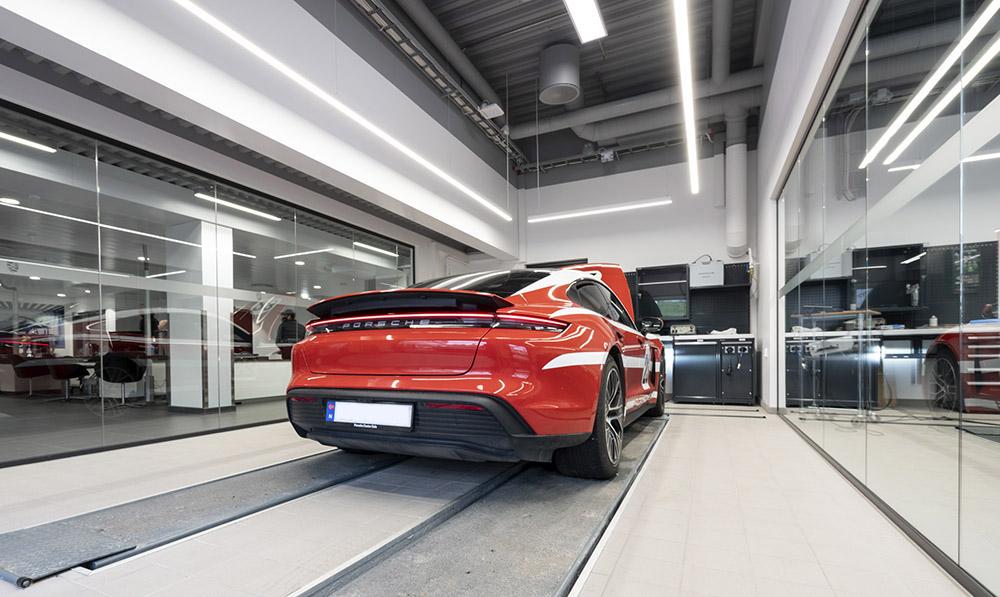 Diagnostikkhall, Porsche Center Oslo