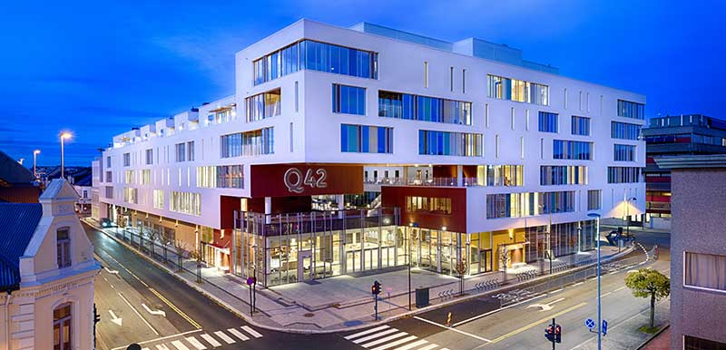 Q42 - fasade