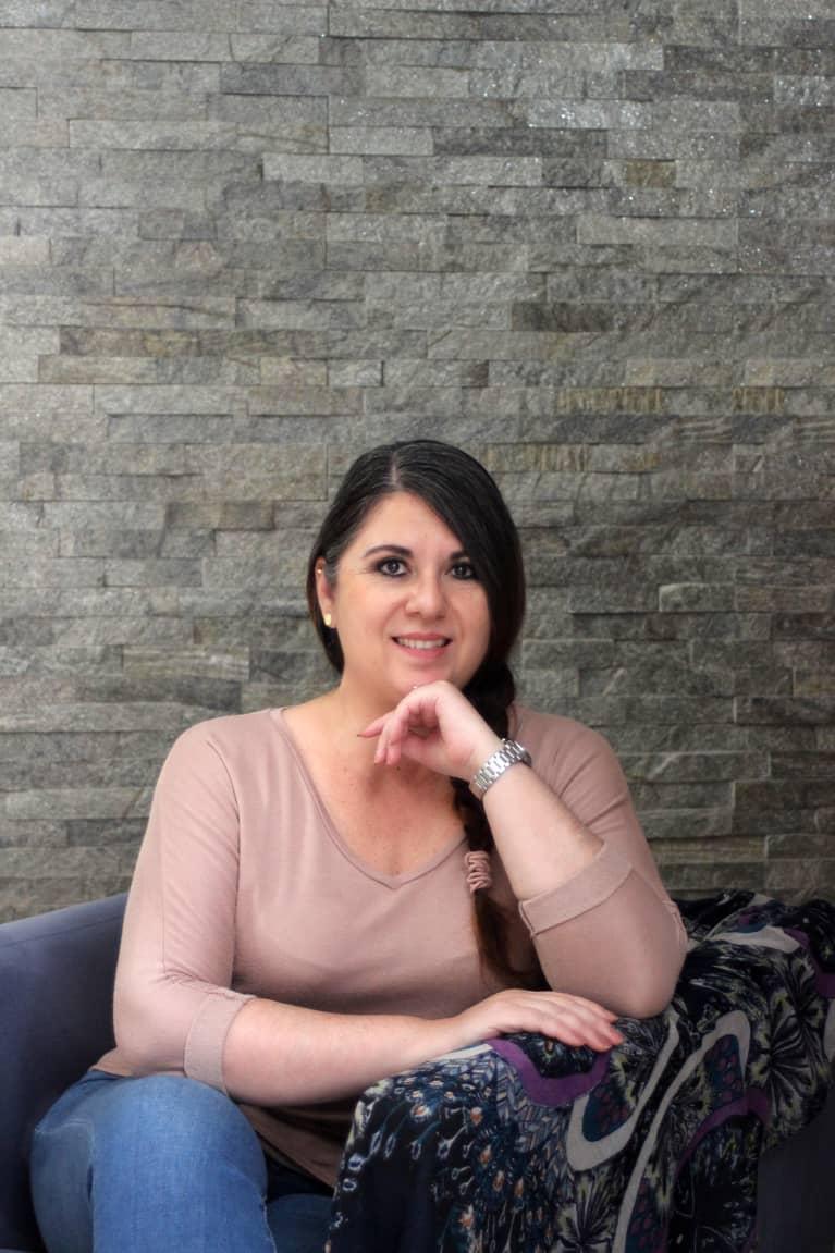 Mariana Gutiérrez-Flores, Psicóloga