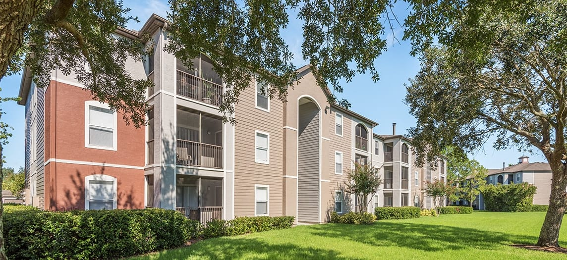The Paddock Club Brandon - Luxury Apartments in Brandon, FL | MAA
