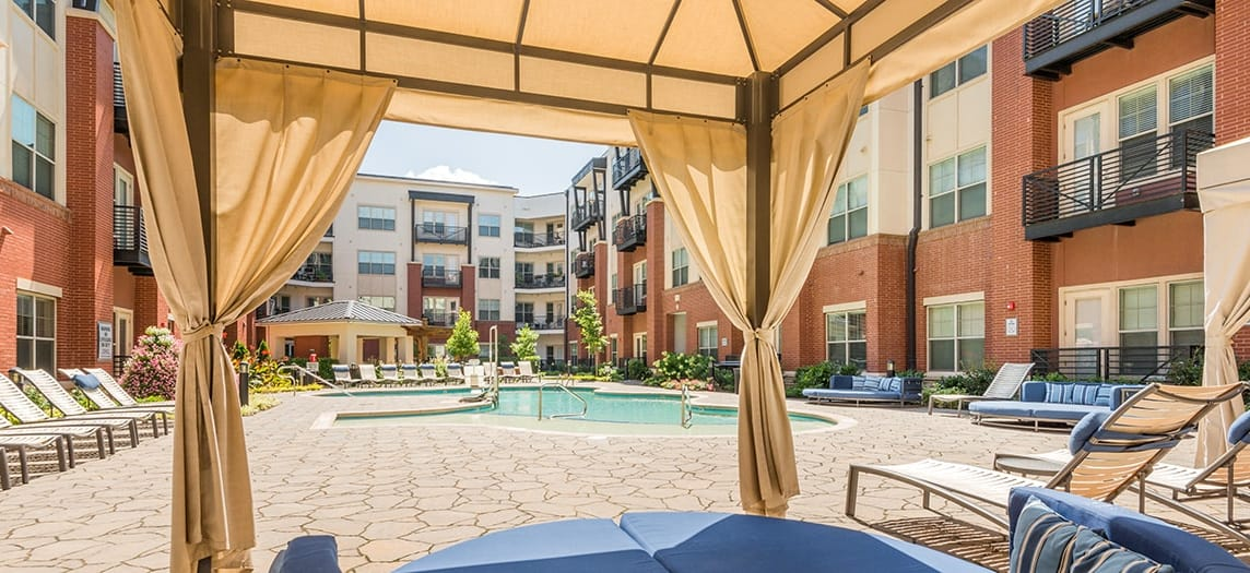 Colonial Reserve At South End Apartment Community Apartments For