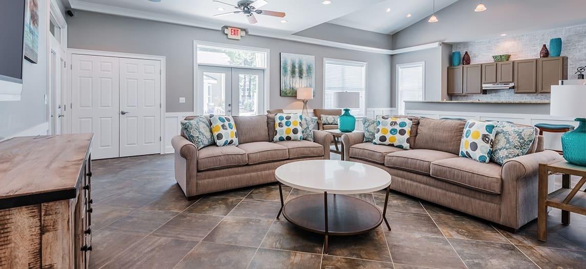 Ordinaire Clubhouse At Farmington Village Luxury Apartment Homes In Summerville, SC  ...