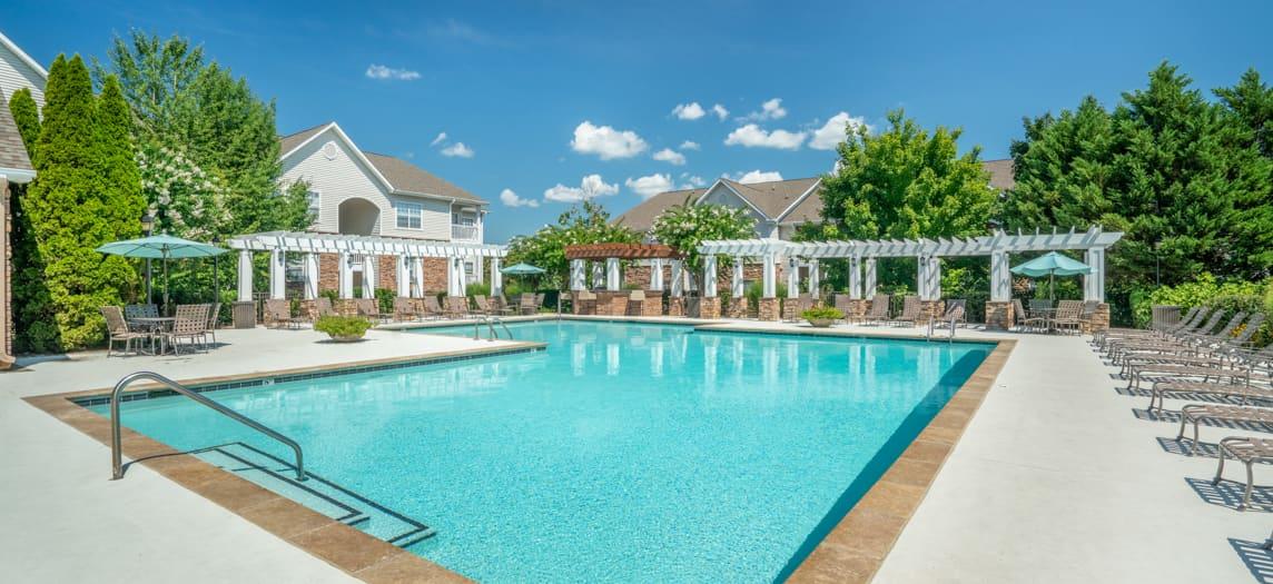Monthaven Park Apartment Community Luxury Apartments For
