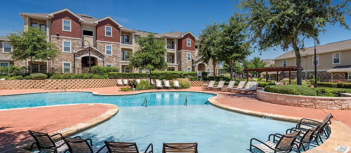 Patio Furniture Round Rock Tx.Colonial Grand At Ashton Oaks Luxury Apartments For Rent In Austin