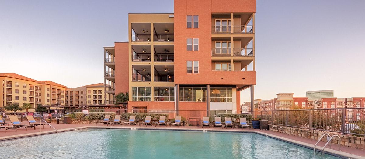 Bella Casita Luxury Apartments In Las Colinas Irving Tx Maa
