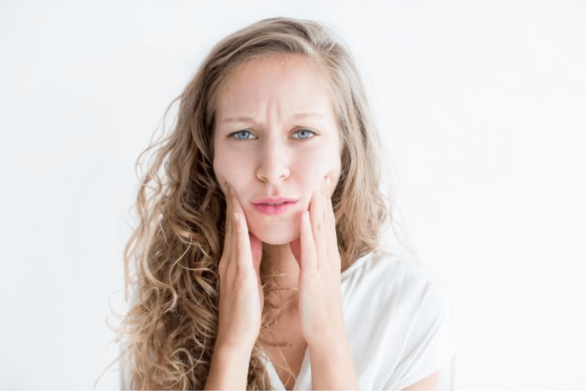06 hábitos que pioram a oleosidade da pele