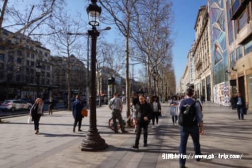 パリの風景 シャンゼリゼ通り