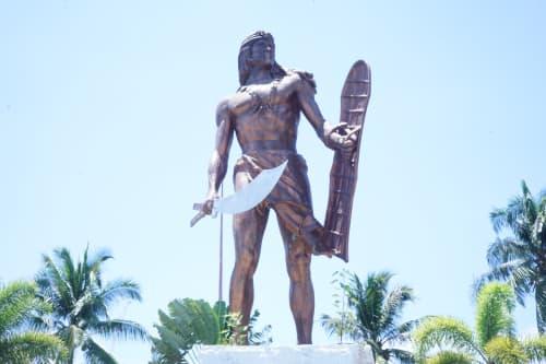 セブ島のラプラプの像