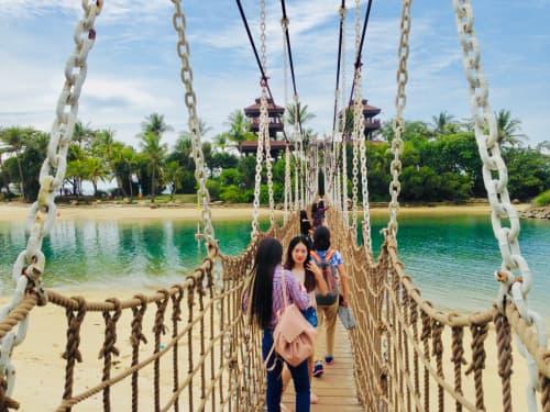 シンガポール セントーサ島パラワンビーチ 吊り橋